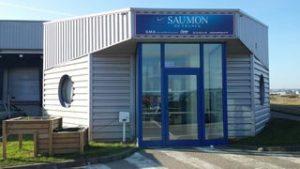 Usine- équipe de la société Saumon de France