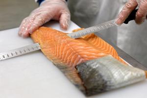 tranchage saumon de France fumé